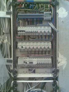 расключение распределительного электрощита.