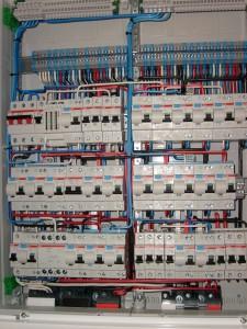 щит электрический для квартиры в новостройке