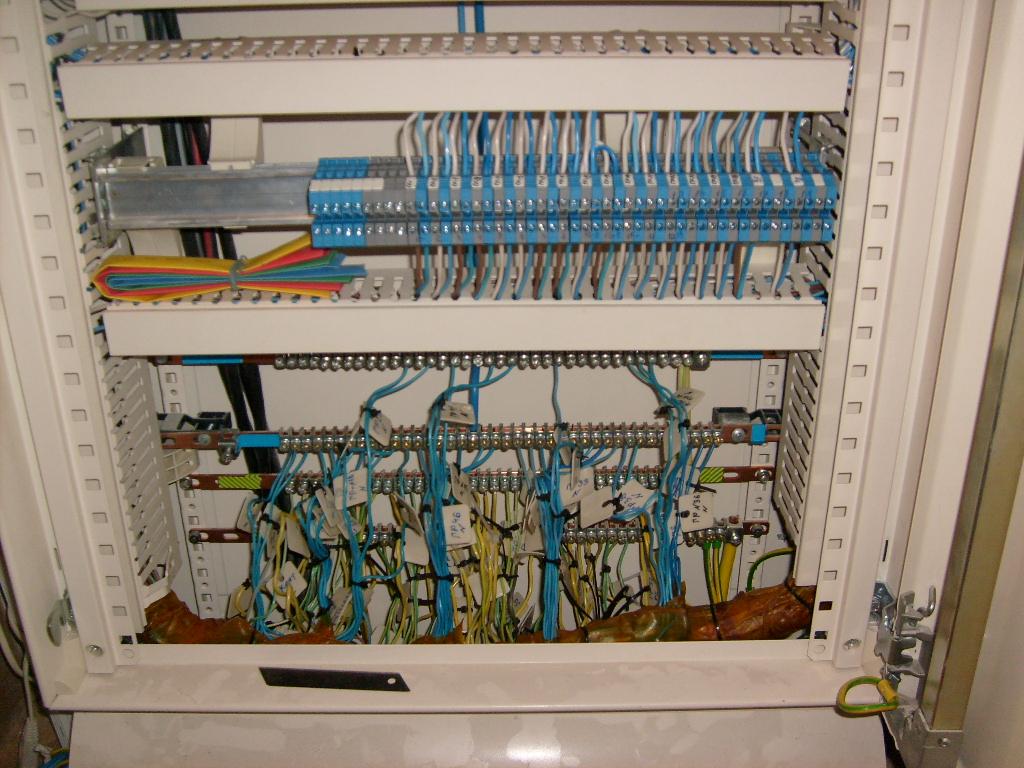 схема электрощита в загородном доме