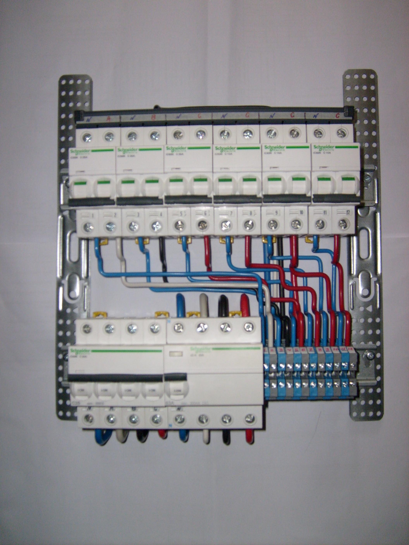 электрический щит загородного дома схема